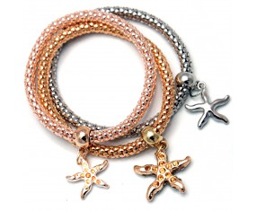 Trojitý náramek s přívesky ve tvaru hvězdic