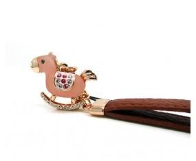 Přívěsek ve tvaru koníka (růžový)